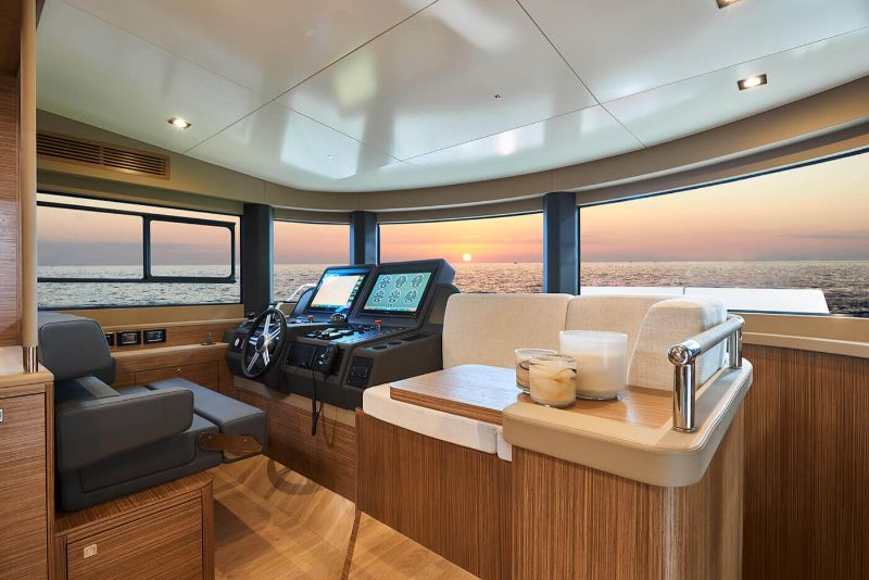 superyacht Explore The Word Inside The Sirena 64 Superyacht 3
