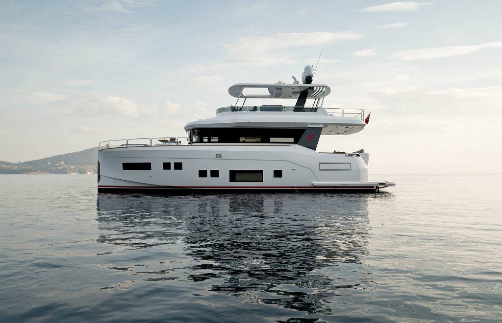 Explore The Word Inside The Sirena 64 Superyacht